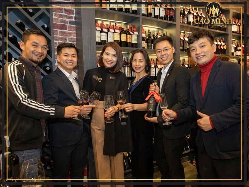 Đắm Say Cùng Rượu Vang Cao Minh