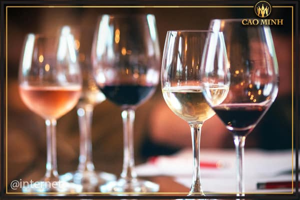 Để thưởng thức rượu vang được ngon, trọn vẹn nhất, bạn sẽ cần đến một loại ly đặc biệt