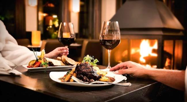 Rượu vang đỏ kết hợp với món ăn gì