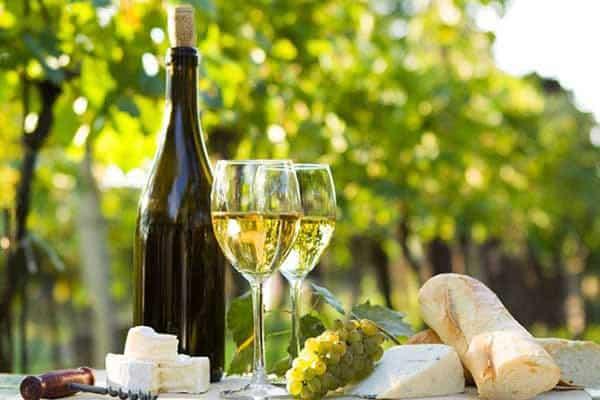 Rượu vang trắng