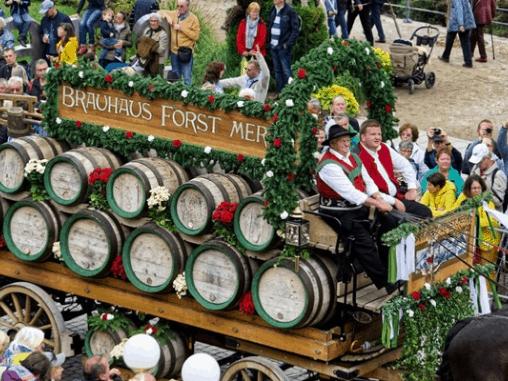Lễ hội rượu vang ở Pháp ít nhất một lần trong đời