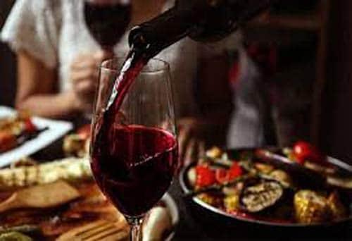 Thưởng thức rượu vang Aves Del Sur