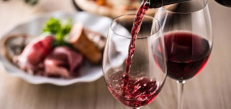 Ý là quốc gia có sản lượng tiêu thụ rượu vang lớn nhất nhì trên thế giới
