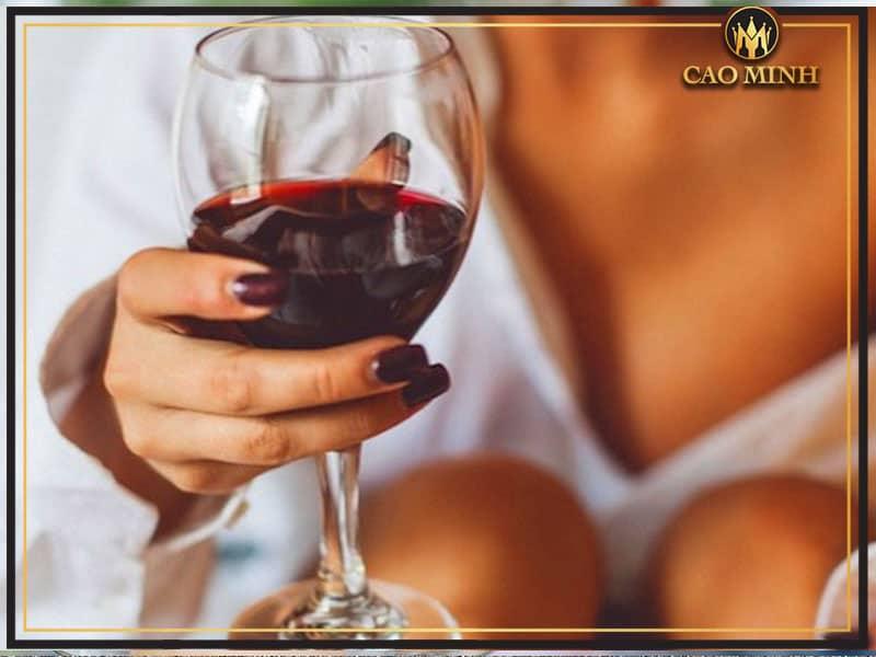 Lợi ích của rượu vang đối với sức khỏe, sắc đẹp của phụ nữ