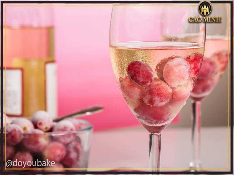 Phương pháp làm lạnh rượu vang không cần đến đá lạnh