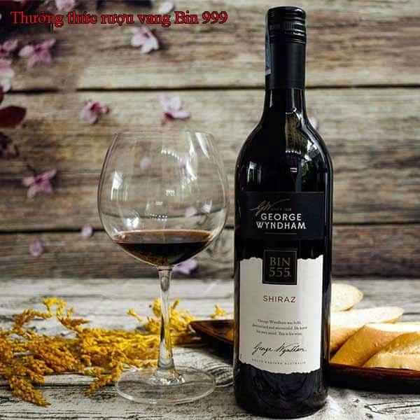 Thưởng thức rượu vang Bin 999