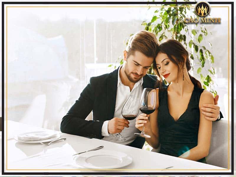 Rượu vang đem lại nhiều tác dụng tích cực đối với sức khỏe người sử dụng