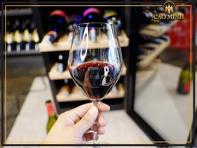 Mua ly uống rượu vang đỏ ở đâu uy tín