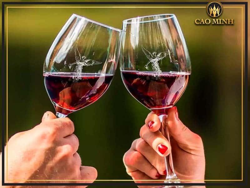 Rượu vang đỏ có tác dụng gì