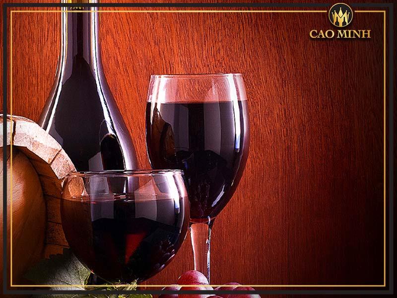 Rượu vang đỏ giá bao nhiêu
