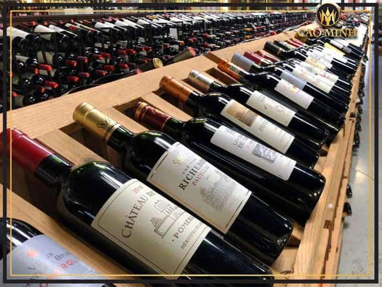 Giá rượu vang Pháp nhập khẩu rất đa dạng