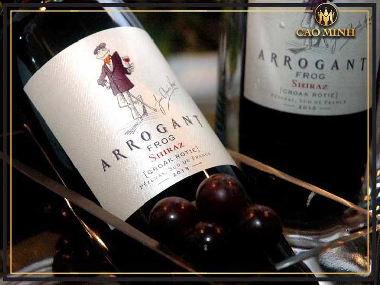 Dòng rượu vang Pháp Arrogant Frog giá chỉ 560.000đ