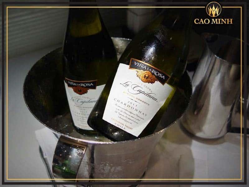 La Capitana Chardonnay - Chai rượu vang trắng Chile không thể không thử trong hè này
