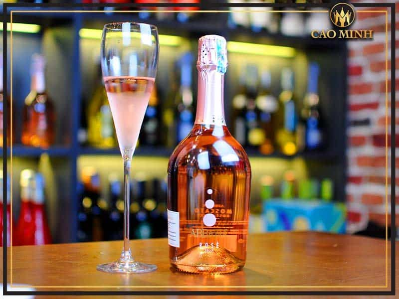 ruou-vang-y-abbazia-moscato-rose-dolce
