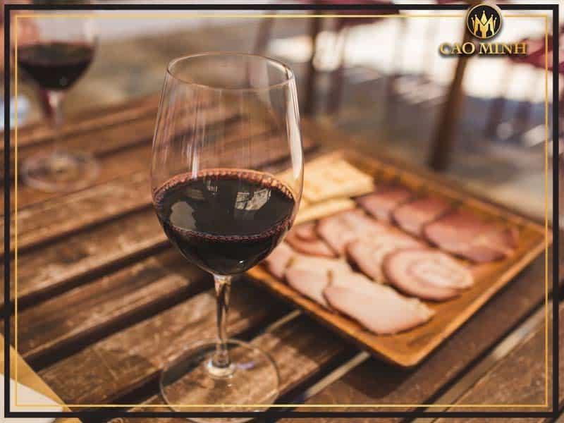 Thưởng thức rượu vang La Capitana Cabernet Sauvignon