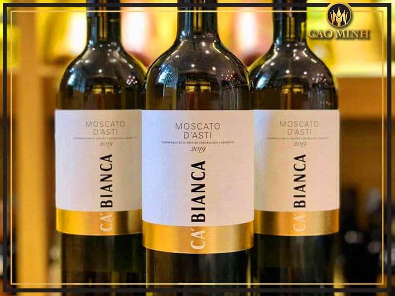 Rượu vang Ý ngọt Moscato D'asti Tenimenti Ca'bianca