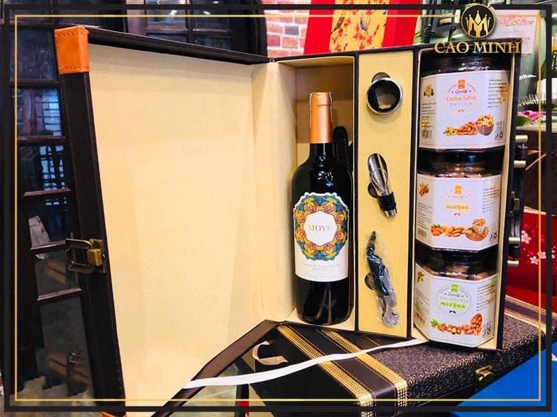 Hộp quà phụ kiện rượu vang